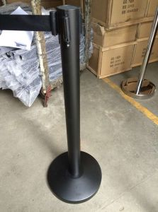 Black Paiting Queue Control Retractable Barrier for Exhibition