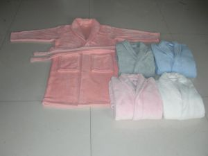 2015 Newest Microfiber Coral Fleece Sleepwear pictures & photos