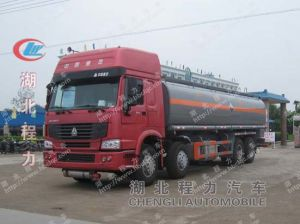 Sinotruk 8X4 HOWO Fuel Oil Tank Truck pictures & photos