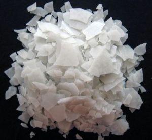 Food Grade Calcium Chloride Flakes 77% pictures & photos