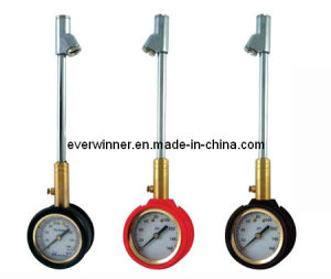 Heavy Duty Dial Tire Pressure Gauge with Exended Length Dual Foot Chuck pictures & photos