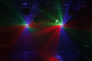 China New Video DJ Lighting 200W LED Beam Moving Head Light pictures & photos