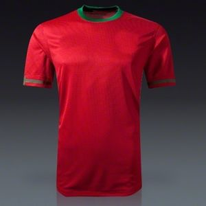 Top Quality Portugal Football Jersey Dry Fit Men′s T-Shirt pictures & photos