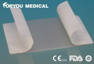 Non-Adhesive to The Wound Medical Hydrogel Dressing pictures & photos