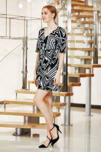 Short Sleeve Winter Wrap Printed Mini Dress pictures & photos