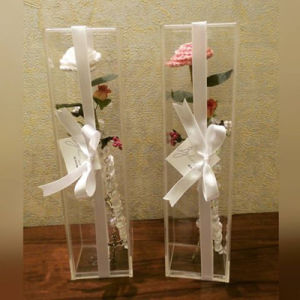 New Style Vertical Clear Acrylic Flower Box pictures & photos