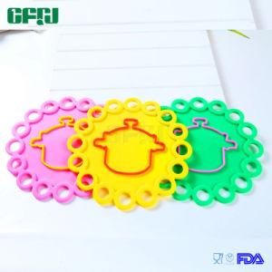 FDA/LFGB Skid-Proof Food Grade Silicone Mat Placemat Potholder pictures & photos