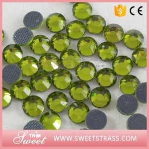 Wholesale Flat Back Gemstone with Glue by Back pictures & photos