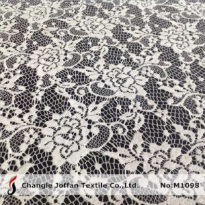 Flower Lace Fabric by The Bolt (M1098) pictures & photos