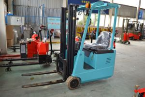 3-Wheel Narrow Electric Forklift Truck with CE Certificate pictures & photos