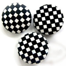 Fashion Garment Accessory Fabric Covered Buttons pictures & photos