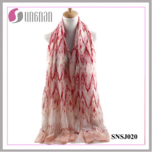 2016 Multicolor Elegant Women Rippling Rhombic Voile Scarf pictures & photos