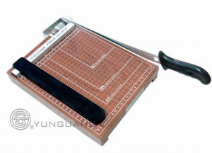 Guillotine Wooden Paper Cutter /Trimmer (YG-BMZ) pictures & photos