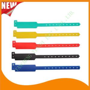 Customed PE Entertainment Plastic Event Party Identification Wristbands Bracelet (E6060C1) pictures & photos