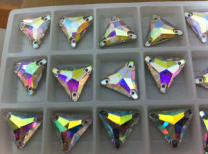 Triangle Ab Color Sewing Stone Beads Buttons pictures & photos