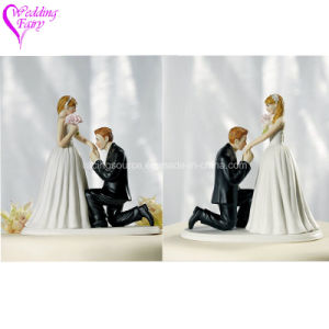 Wedding Decoration Resin Wedding Cake Topper Figurine Cake Decoration pictures & photos