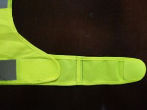 Sports and Reflective Safety Vest with En20471 pictures & photos