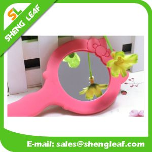 portable Customized Rubber Hanging Makeup Mirror (SLF-RM002) pictures & photos