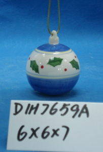 Hand-Painted Ceramic Hanging Ball for Christmas Tree Decoration pictures & photos