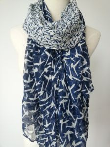 Azo Free Fashion Printing Leaves Polyester Scarf for Women pictures & photos