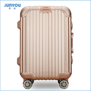 New Style Fashion Four Wheels Suitcase Travelling Luggage pictures & photos