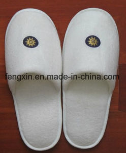 Comfortable 100% Cotton Terry Embroid Closed Toe Hotel Slippers pictures & photos