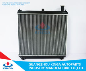 Aluminum Radiator for Toyota 01 Hiace Touring Rch4 with Plastic Tank pictures & photos