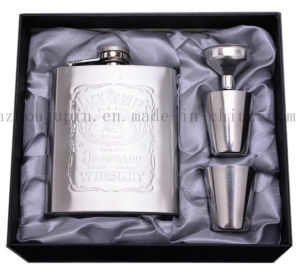 OEM Stainless Steel Cup Hip Flask Set for Business Gift pictures & photos
