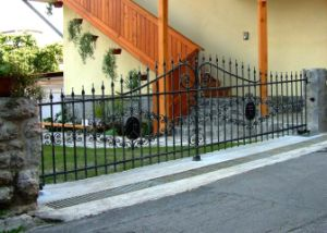 Decorative Vintage Steel Wrought Iron Fence Metal Steel Fence pictures & photos