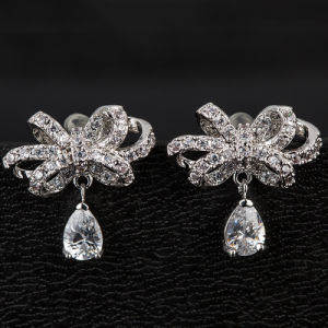 Fashion Zircon Crystal Butterfly Design Jewelry Stud Earrings in Rhodium Plated pictures & photos
