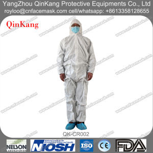 Disposable Cleanroom/Laboratory Fluid Resistant Protective Coverall pictures & photos