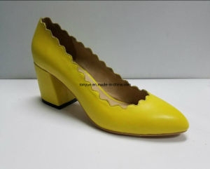 Hot Sale Fashion and Comfortable Chunky Heel Lady Leather Shoe pictures & photos