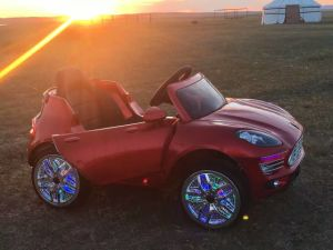 The Latest Kids Electric Car with Flashing Wheels (HH/621) pictures & photos
