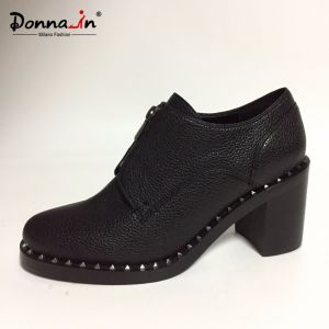 2017 Lady Fashion Studs Outsole High Heels Zipper Women Footwear pictures & photos
