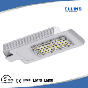 High Brightness Outdoor IP65 LED Solar Street Light 40W pictures & photos