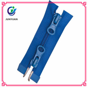 Two Way Open Zipper Custom Length Nylon Zipper for Cloth pictures & photos