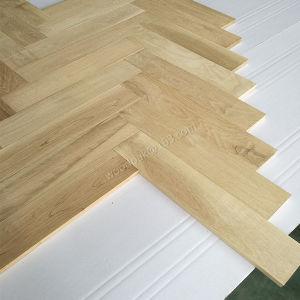 Unfinished Oak Herrongbone Wood Flooring 450*90*18mmm pictures & photos