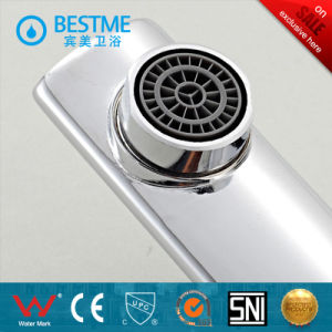Modern Design Bathtub Mixer with Chrome Finished pictures & photos