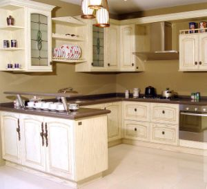Luxury Walnut Solid Wood Kitchen Design pictures & photos