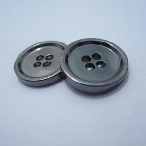 Manufacturer Hot Selling Garment Four Holes Metal Shirt Button pictures & photos