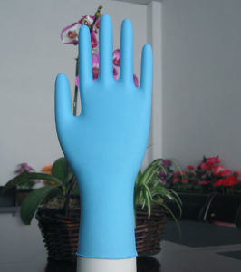 Blure Color Finger-Tip Textured Disposable Nitrile Examination Gloves pictures & photos