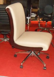 2015 New Design Leather Office Chair (Desk Chair for Hotel Rooms 8100) pictures & photos