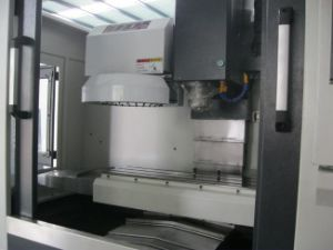 Vertical CNC 4 Axis Milling Machine for Metal Processing Vmc7040 pictures & photos