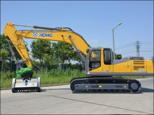 XCMG Excavator Xe335c with 30ton Operating Weight pictures & photos