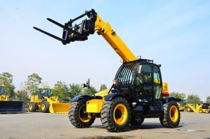 XCMG Manufacturer Xc6-3507 Telescopic Handler (more models for sale) pictures & photos