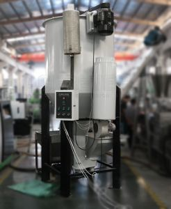 Advanced Twin Screw Extruder Machine for Pet Plastic Recycling Pelletizing pictures & photos