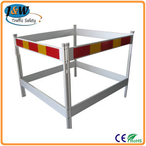 Best Seller Aluminium Panel Road Traffic Safety Barricade pictures & photos