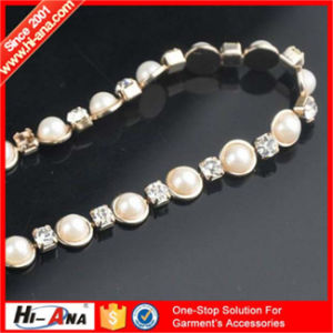 Know Different Market Style Various Colors Gold Chain Rhinestone pictures & photos