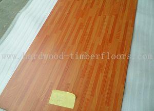 Foshan Big Stock MDF 8mm Laminate Flooring pictures & photos