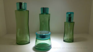 Made in Transparency Glass Bottle for Cosmetic Packaging Companies Qf-074 pictures & photos